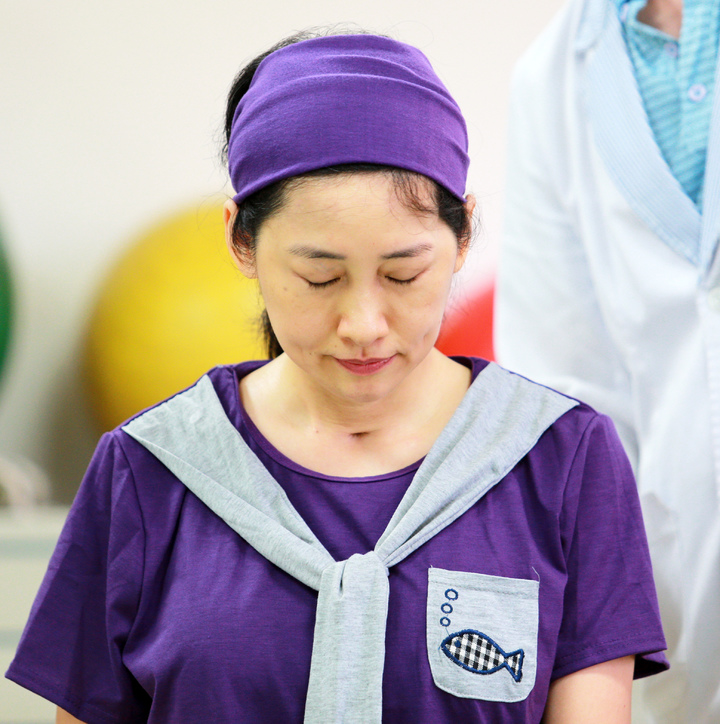 鳳凰衛視女主播劉珊玲因腦動脈血管瘤破裂,差點成為植物人,她回到高雄展開漫長艱辛的復健療程。記者劉學聖/攝影