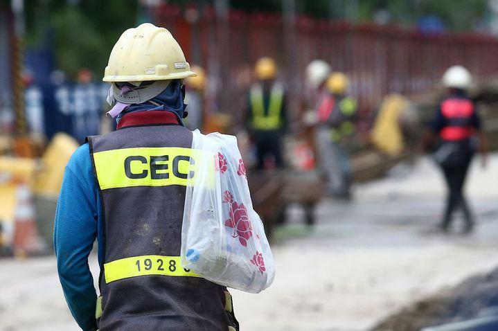 勞動部今公布最新無薪假人數,共有14家事業單位,實施人數327人,相較上一期,本月初統計人數增加1倍多。圖/本報資料照片