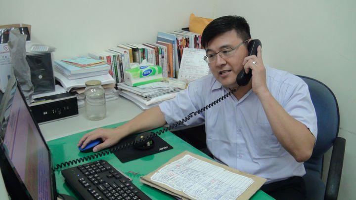 嘉義基督教醫院企劃室主任洪錫隆罹患大腸癌,他調整生活型態,加上信仰力量,成功抗癌重生。記者王慧瑛/攝影