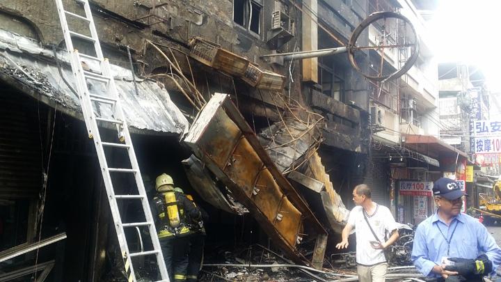 逢甲商圈餐廳今天發生氣爆,14人受傷。記者游振昇/攝影