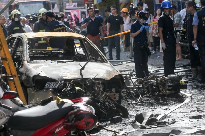 台中市逢甲商圈西安街餐廳氣爆,造成14傷,餐廳老闆命危。記者黃仲裕/攝影