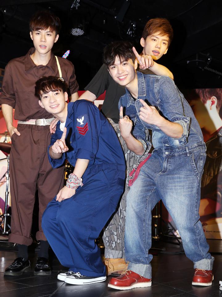 日系搖滾樂團noovy今天舉行新專輯《ONE》發表會。記者徐兆玄/攝影