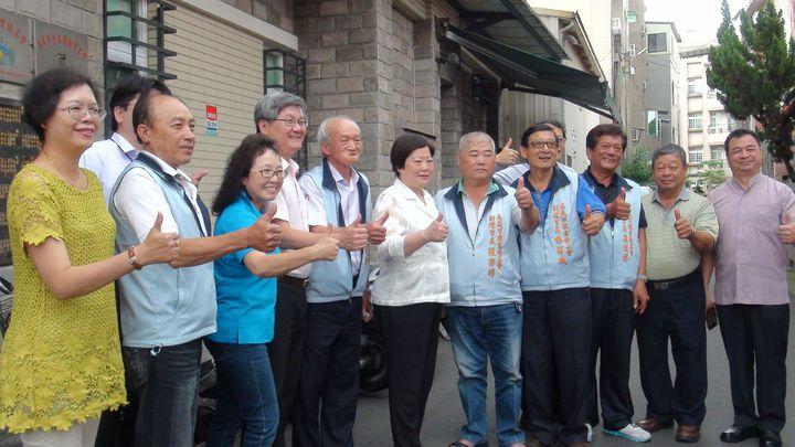 勞動部長林美珠(中)今天下鄉到嘉義縣市和工會座談,她曾在嘉義縣當4年7個月的副縣長,她說,回嘉義感覺特別親切。記者王慧瑛/攝影