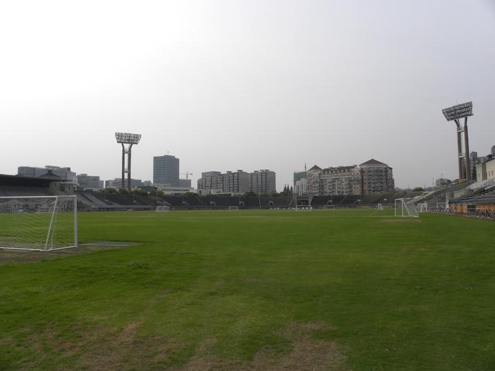 大上海計畫中的「上海市運動場」,由中國知名建築董大酉設計,1935年完工,擁有約4萬個座位,曾被譽為「遠東第一體育場」。目前為江灣體育場。特派記者林則宏/攝影
