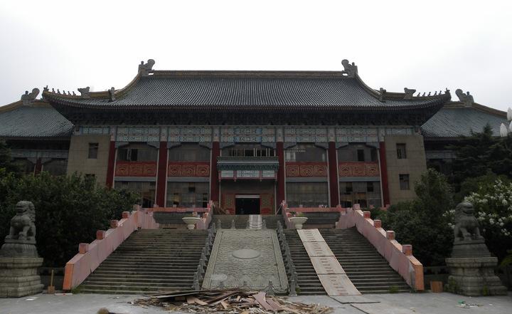 大上海計畫其中一座重要建築—市政府大樓,位於今天上海體育學院內,目前正在重新整修中。特派記者林則宏/攝影