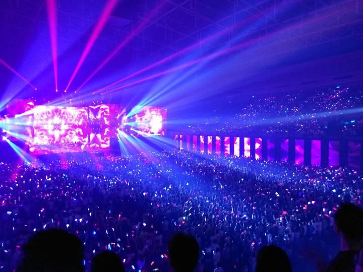 藝人張惠妹12日晚上在高雄辦演唱會,現場高朋滿座。記者謝梅芬/攝影