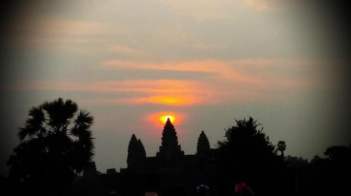 小吳哥看日出是柬埔寨的經典行程,也是百看不厭的行程。記者張雅婷/攝影