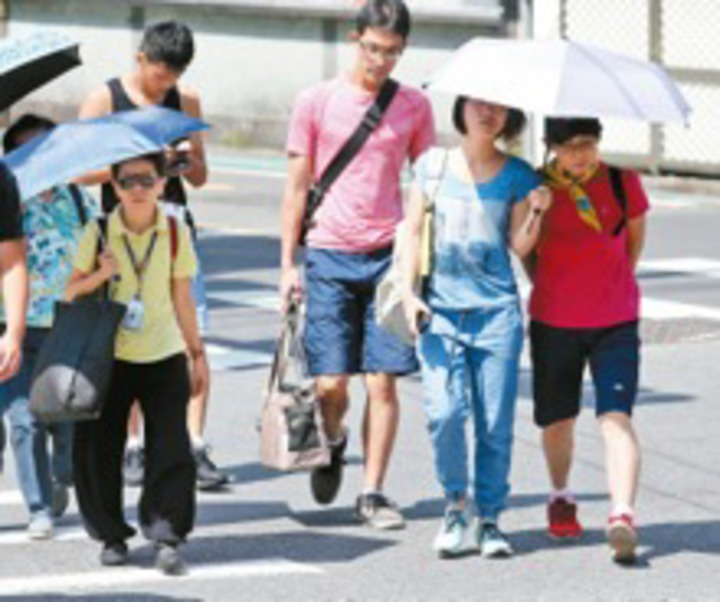 今天起至周三,受熱帶大陸氣團影響,北台灣不排除有38度高溫,是今年至今最熱的三天。報系資料照