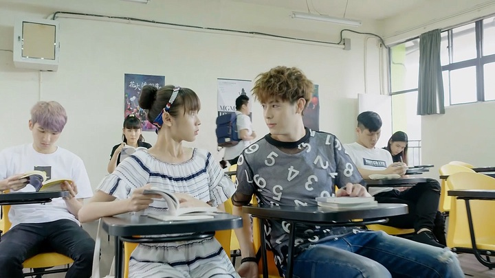 Teddy(右)劇中撩妹功夫一流。圖/CHOCO TV提供