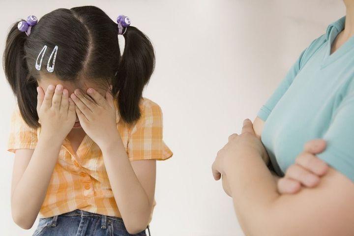 衛福部指出,拍攝散布兒少私密影像通報案中,近五成影像是孩子自己拍的。 示意圖/ingimage