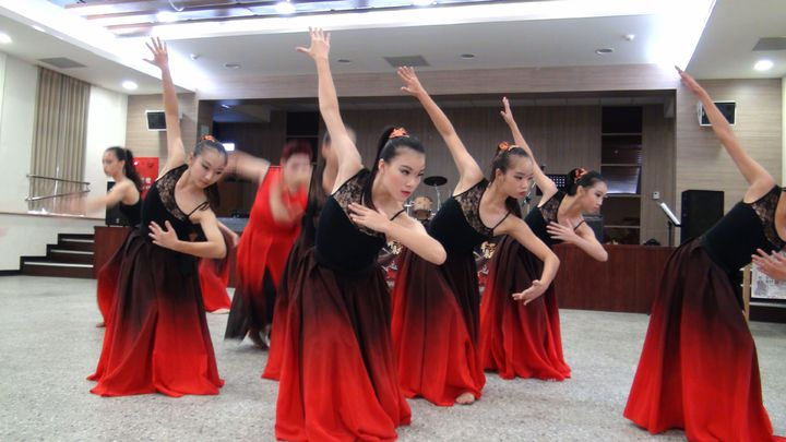 蟬聯15年傑出演藝團隊的「如婷舞蹈團」,希望為嘉義培育更多舞蹈家。記者王慧瑛/攝影