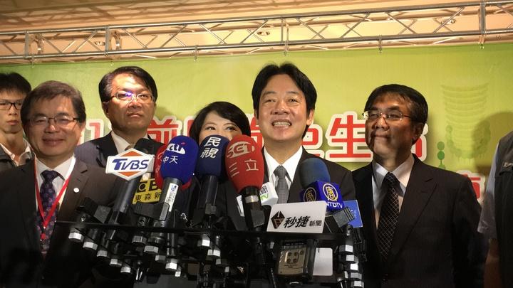 行政院長賴清德今天首回娘家台南市,心情非常好。記者吳淑玲/攝影