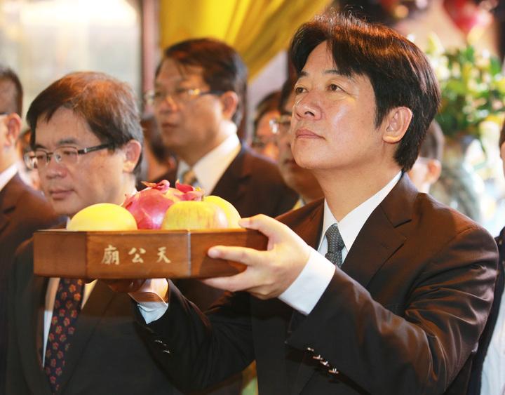 行政院長賴清德上任後首度回到台南,並到天壇天公廟參拜。記者劉學聖/攝影