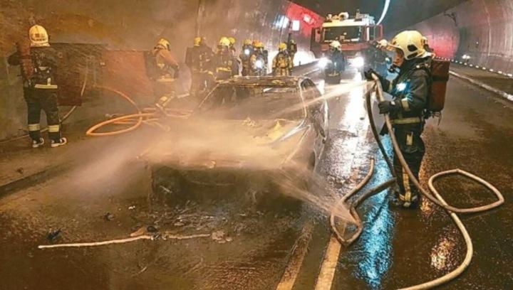 雪隧本月初驚傳火燒車,燒出雪隧消防設施維護黑洞。 圖/宜蘭縣消防局提供