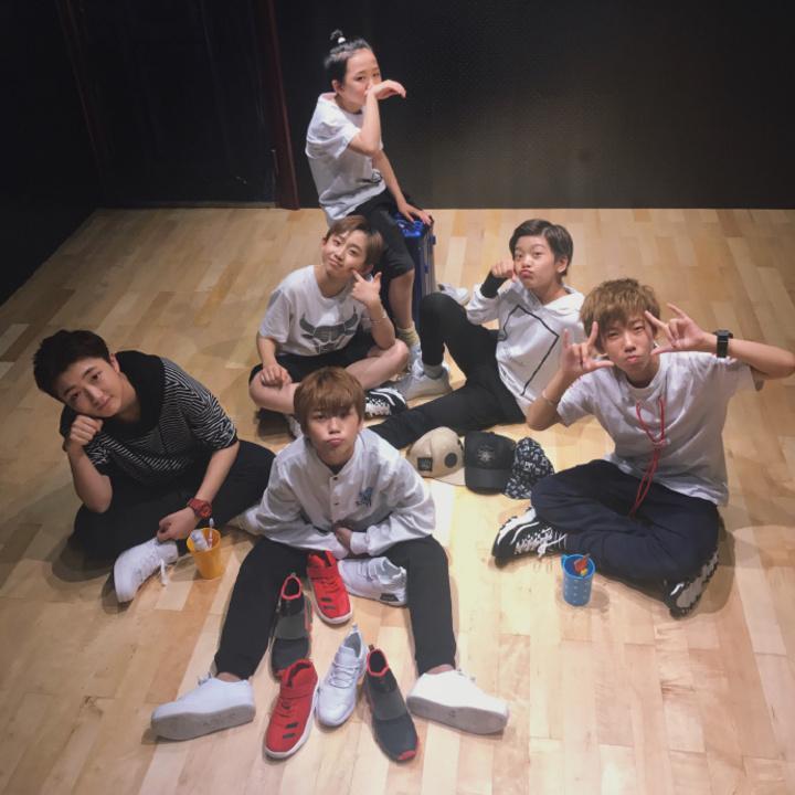 最萌嘻哈少年團BOY STORY,由6位平均年齡12歲的男孩所組成。圖/EMI提供