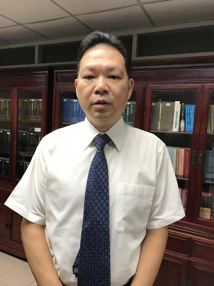 基隆地檢署書記官長周啟勇,說明脫逃案不起訴原因。記者吳淑君/攝影