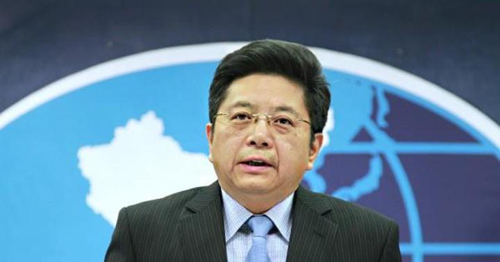 針對蔡英文總統的雙十談話,大陸國台辦發言人馬曉光今天表示,只有「堅持一個中國原則、反對台獨」,兩岸關係才能和平穩定發展。值得注意的是,過去國台辦都會提到體現一個中國原則的「九二共識」,但這次回應僅強調「堅持一個中國原則」。