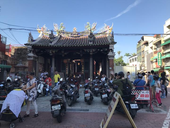 國慶連假遊客湧入台南各景點,市區各古蹟及熱門景點湧入大批人潮。記者綦守鈺/攝影