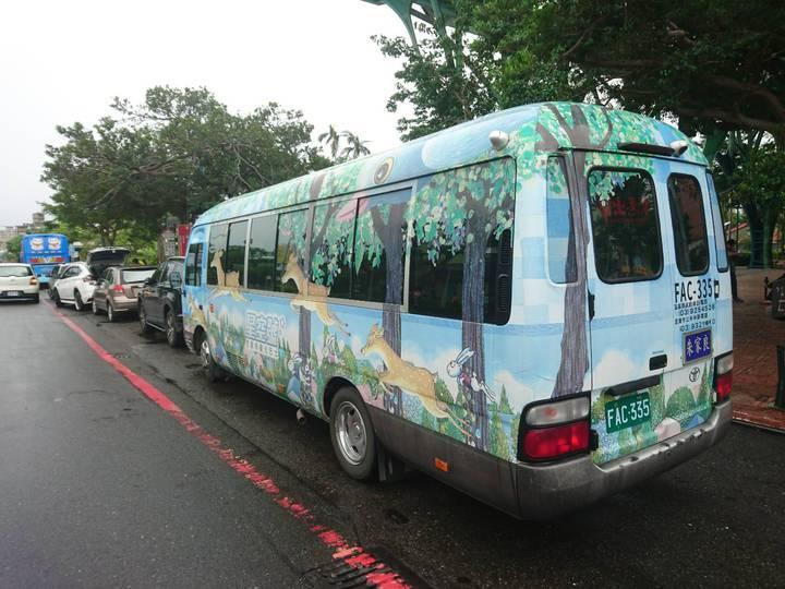宜蘭市公所的幾米觀光巴士開放周二與周四預約,5人成行,指定站點與時間接駁。記者羅建旺/攝影