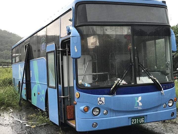 輾死蘇姓女國中生的基隆客運公車,仍被扣押。記者吳淑君/攝影