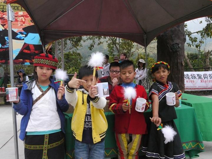 興中國小學生以布農族與拉阿魯哇族為主,學生製作的文創商品非常有特色。圖/本報資料照片