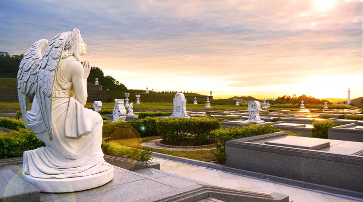 傳統的墓園陰森形象印入人心,現今有墓園強調溫馨、祥和,打造成藝術園區。圖/天陵墓園提供