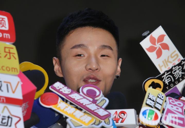 歌手李榮浩下午舉辦新專輯發片記者會,事業大豐收的他,今年卻無結婚打算。記者陳正興/攝影