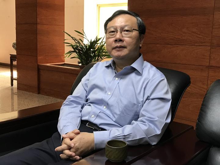 基隆地檢署檢察長陳宏達主動成立平台,推動「路見不平」專案,要把腳下的幸福找回來。記者吳淑君/攝影