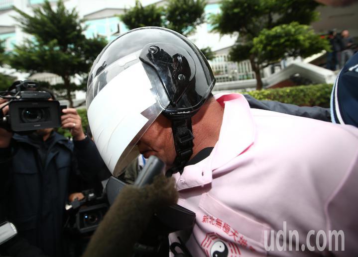 新北市中和區興南路二段9死2傷火警, 警方在凌晨逮捕到嫌犯李國輝。記者杜建重/攝影
