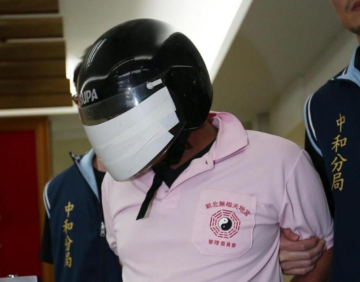 涉嫌縱火的李國輝先前已有2次涉縱火紀錄,前天縱火後還在附近冷眼旁觀。 記者杜建重/攝影