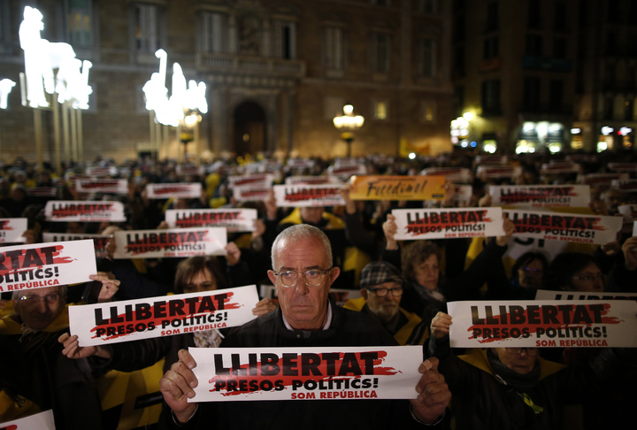 加泰議會改選開跑,獨派支持民眾要求釋放領袖。美聯