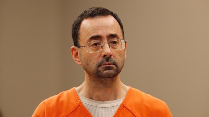 美國前奧運體操隊「淫醫」納薩爾遭法院重判60年有期徒刑。美聯社
