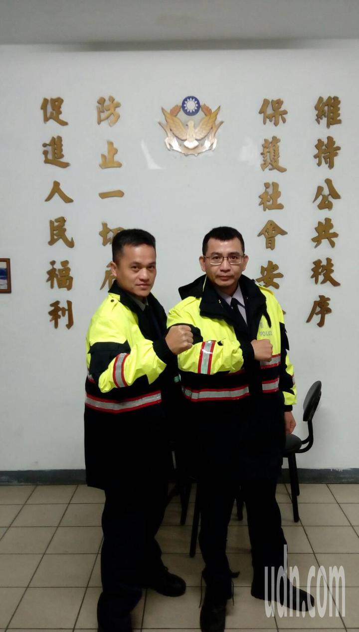 逮捕通緝犯的八堵分駐所副所長王仁儀(左)與警員羅晉鴻。記者游明煌/攝影
