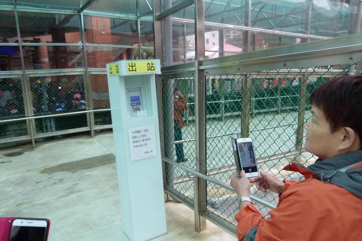 內壢站也可以使用電子票證。記者鄭國樑/攝影