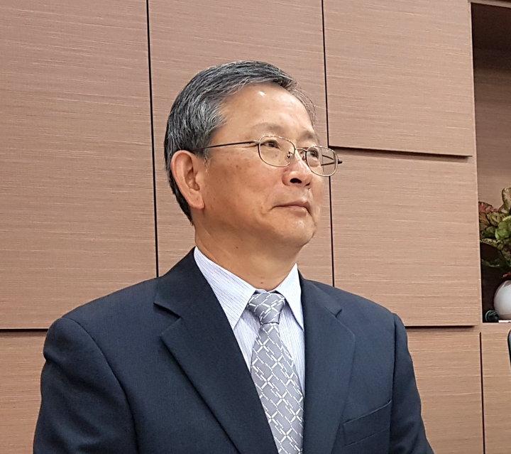 司法院秘書長呂太郎認為法官「獨立審判」受憲法保障,擔任公職行使公權力都必須依照法律,否則就違法。記者王宏舜/攝影