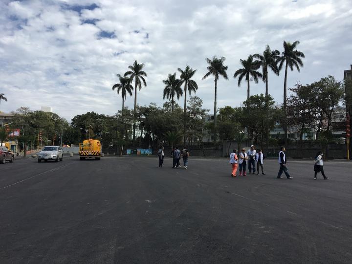 統帥飯店在歷經6天的拆除、鋪設工作。記者徐庭揚/攝影