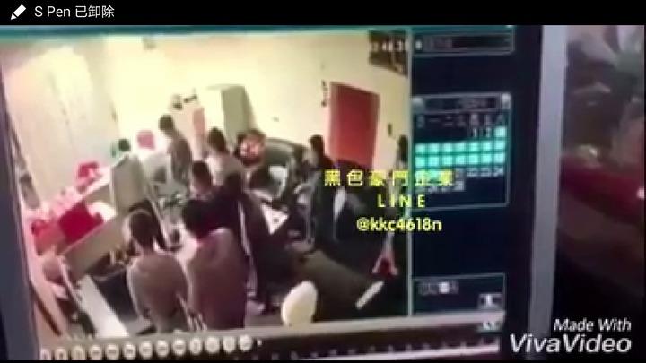 臉書黑色豪門企業有人po影片說,豐原廟東附近民宅內,12人狂打1人,警方表示未接到報案。圖/取自臉書黑色豪門企業