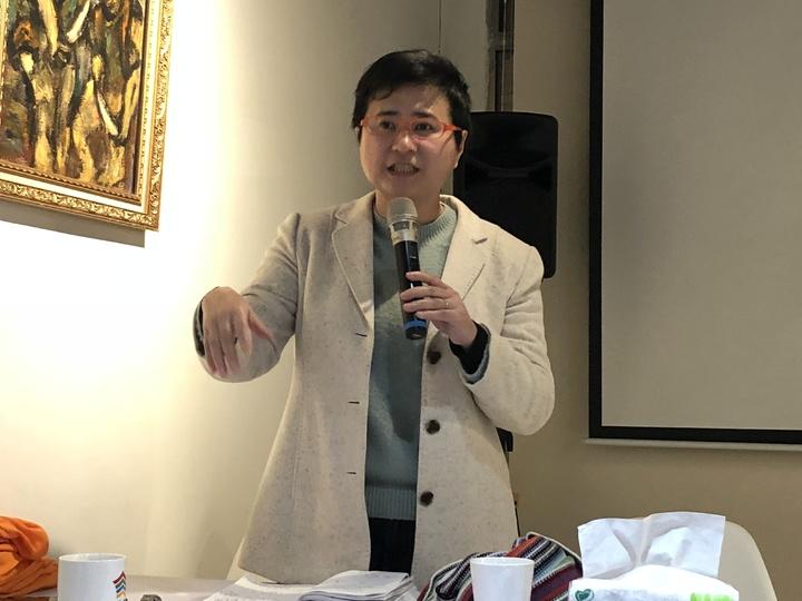 同婚釋憲聲請人祁家威的委任律師許秀雯呼籲行政院積極提出「同婚修法」版本。記者林敬家/攝影