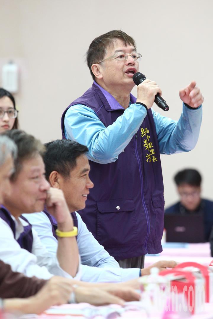 台北市長柯文哲上午與里長市政座談會,里長發表看法。記者蘇健忠/攝影