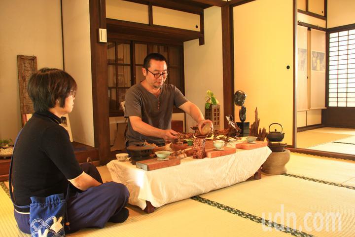 這次搭配緩緩生活節系列活動,在所長宿舍辦理在地茶人奉茶系列活動。記者郭政芬/攝影