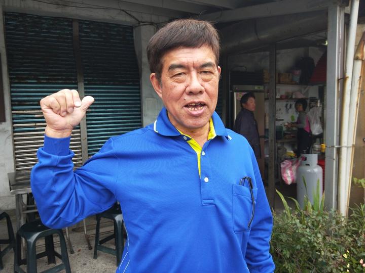 海濱社區發展協會長壽長楊慶輝說,環評通過太高興了。記者游明煌/攝影