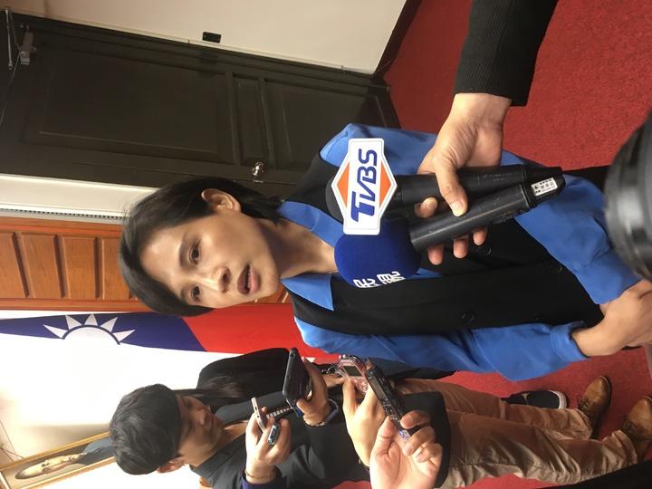 文化部長鄭麗君在立法院接受聯訪談褒揚令。記者雷光涵/攝影