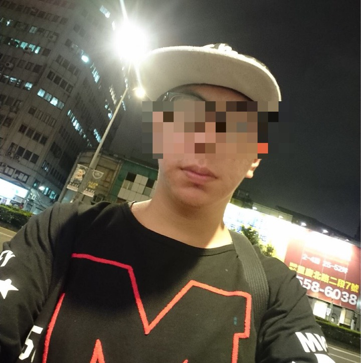 張嫌潛入大台北地區學校、公司行號偷拍女生上廁所。圖/翻攝臉書
