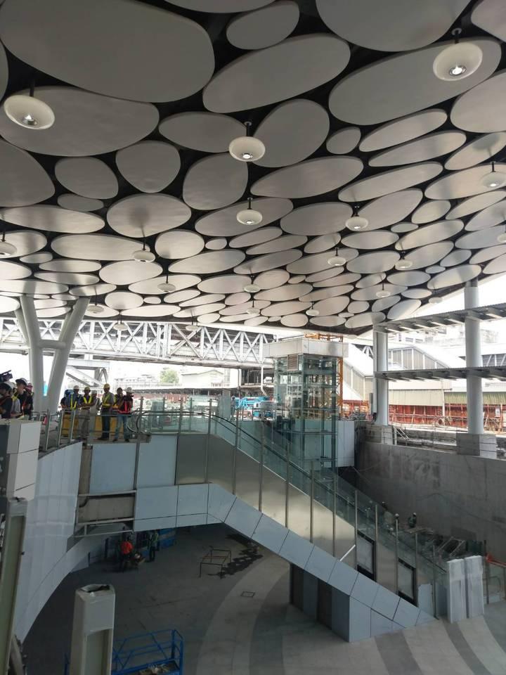 近千億元建設經費的鐵路地下化計畫對於高雄的未來發展、景觀再造、交通運輸等,高雄車站是其中最大、最明亮的一顆。記者謝梅芬/攝影