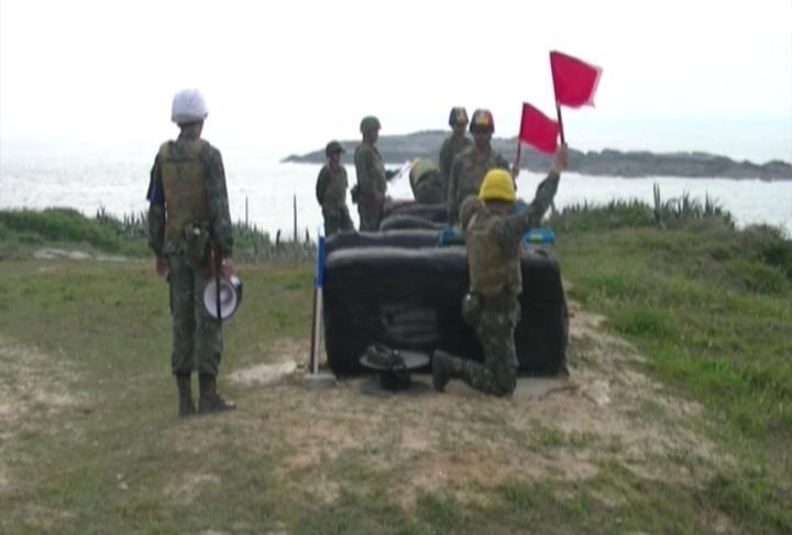 金防部今在峰上靶場進行66 火箭縮射彈射擊,由於正值大陸軍演的前夕,時機敏感,引起關注。圖/金防部提供