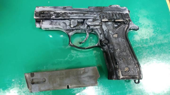 警方查扣的改造槍枝。記者謝進盛/翻攝