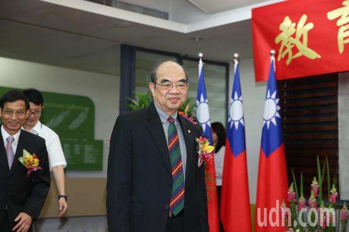 吳茂昆接任教長,稍早抵達教育部。記者陳柏亨/攝影