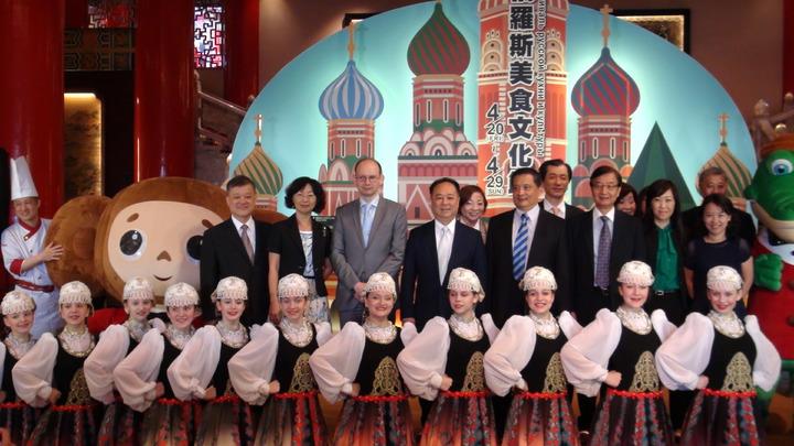 搶攻俄羅斯旅遊市場,並讓國人對俄羅斯美食有所了解,於4月20至29日舉辦「2018俄羅斯美食文化節」,並邀請俄羅斯舞團做精彩演出,讓旅客來到圓山飯店猶如置身俄羅斯。 記者楊文琪/攝影