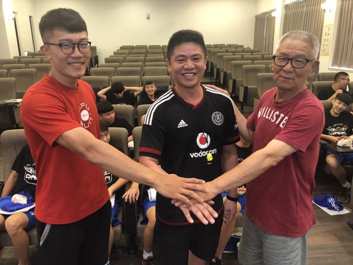 立仁高中球隊的教練群,由左至右分別為張宇翔、總教練陳志函、張清雲。