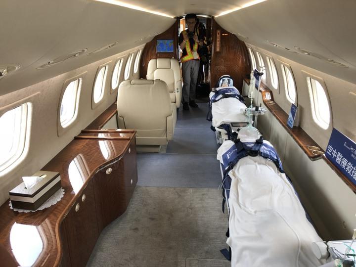 去年全新改裝的Legacy 600,是國內第一架遠程雙擔架醫療專機,航程可達7小時,服務範圍涵蓋大陸、東北亞及多數東南亞地區。記者侯俐安/攝影